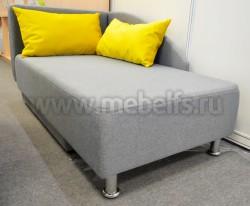 Диван-кровать с мягкой боковой стенкой и отсеком под белье