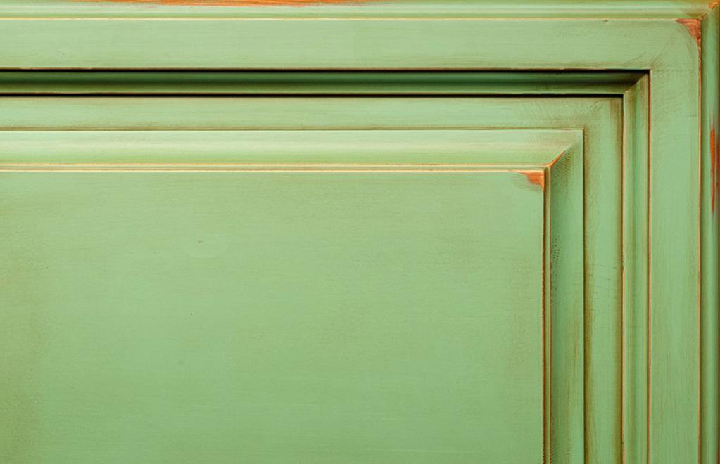 зеленая с эффектом скрэп и патина
